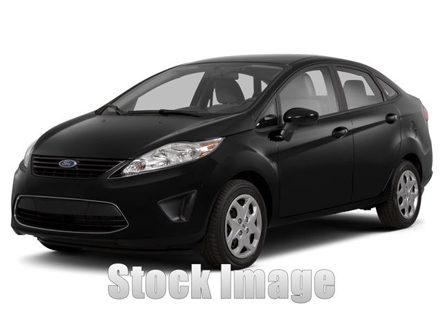 2013 Ford Fiesta SE  Sedan Priced to SELLSpotlessOne Ownernot a RentalFiesta SE in XLNT Co